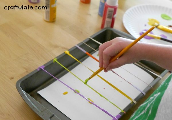painting-with-rubber-bands-2.jpg